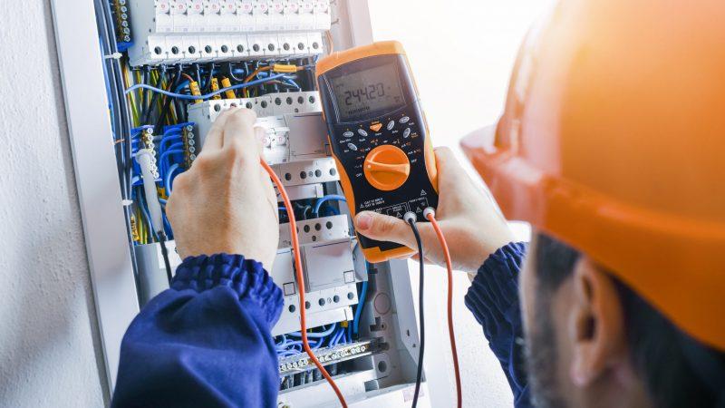 Cómo elegir un buen electricista en Pozuelo de Alarcón